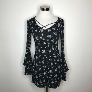 Hollister Floral Bell Sleeve Romper Size XS